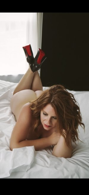 Kelly-anne vip escort in Valley