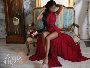 Caelia escorts in Cleveland Mississippi