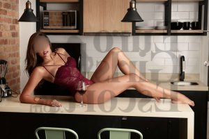 Anelle escort in Pierre