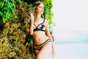 Anne-elodie escort girls